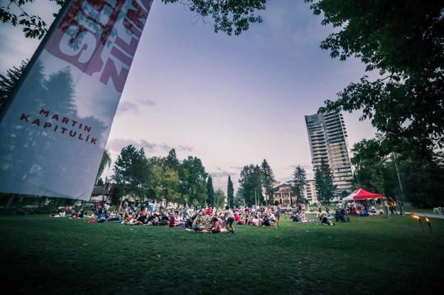 Martin Kapitulík spolu so svojim tímom zorganizovali počas leta sériu rodinných piknikov spojených s letným kinom. Išlo o ukážku toho, ako si predstavujú život v meste.