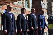Na snímke zľava prezident Poľskej republiky Andrzej Duda, prezident Maďarskej republiky János Áder, prezident Slovenskej republiky Andrej Kiska a prezident Českej republiky Miloš Zeman počas uvítacieho ceremoniálu.
