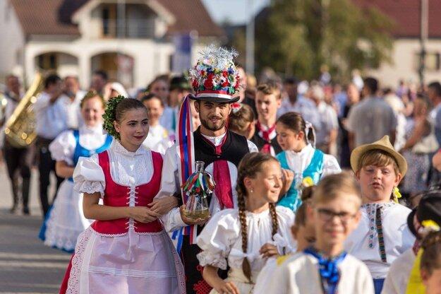 VKútoch vyrastá komunitné centrum, ktoré oživuje tradície obyvateľov Záhoria.