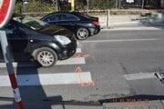 Vodič zrazil maloletého chodca na prechode. Príčiny nehody zatiaľ nie sú známe
