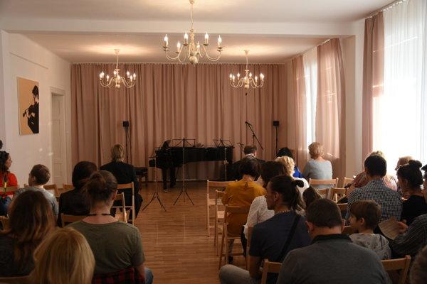 Nová koncertná sála v Základnej umeleckej škole K. Pádivého.