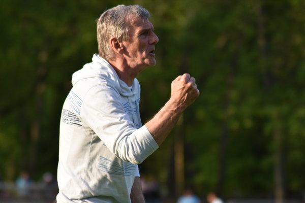 Skúsený tréner Karol Kisel nečakane skončil na lavičke Trebišova.