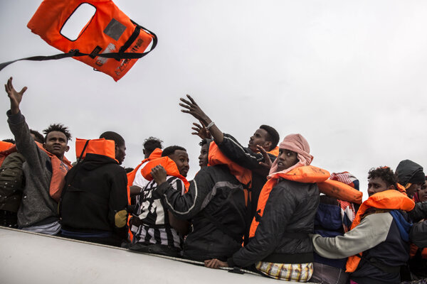 Líbya nesúhlasí so zriadením centier pre migrantov mimo Únie