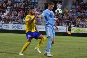 Nekompromisný obranca Peter Kavka si na dlhšiu dobu musí od futbalu oddýchnuť.