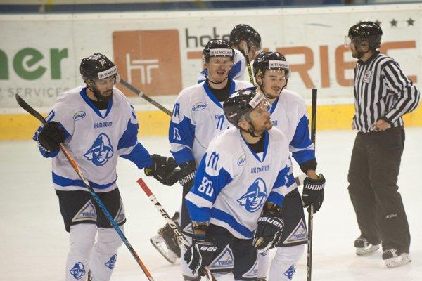 Ján Tabaček pomôže mužstvu na ľade aj v novej sezóne.