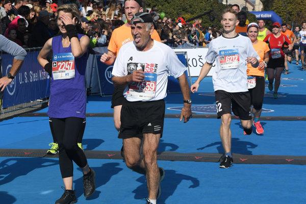 Vcieli polmaratónu na MMM jeden znajstarších bežcov prešovského regiónu František Stanek.