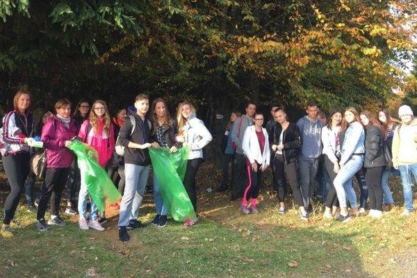 Do Gruntovačky sa zapojili aj študenti.