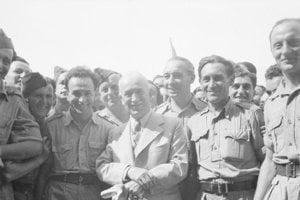 Edvard Beneš medzi československými letcami RAF.