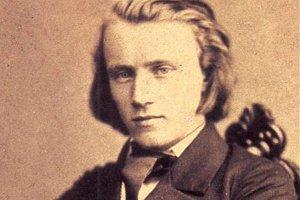 Dnes je Johannes Brahms, (1833 –  1897) považovaný za jedného z najvýznamnejších hudobných skladateľov. V čase svojej mladosti bol navyše aj za hviezdu a krásneho muža.