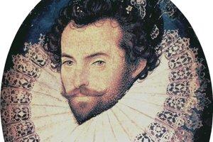 Sir Walter Raleigh, 1554 –  1618, bol anglický spisovateľ, básnik,cestovateľ a objaviteľ, ktorý sa ako obľúbenec kráľovnej Alžbety I. pokúsil založiť prvú osadu v Severnej Amerike. Velil britskému námorníctvu pri veľkom víťazstve nad Španielskom a tešil sa veľkej priazni kráľovnej. Ich vzťah bol predmetom klebiet. Keď sa oženil s jej dvornou dámou, upadol do nemilosti. Patril medzi najkrajších a najštýlovejších mužov svojej doby.