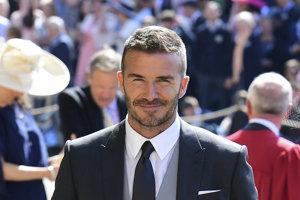 David Beckham (1975) bývalý anglický futbalista, naposledy hráč tímu Paris Saint-Germain. Beckham hrával aj za Anglické národné futbalové mužstvo. Pravidelne sa objavuje v rebríčkoch najpríťažlivejších mužov sveta.