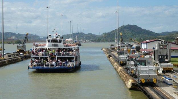 Plavby po Panamskom prieplave patria medzi top zážitky z Panamy.