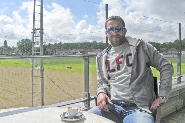 Miroslav Kopčan v tréningovom areáli FC Liverpool.