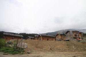 Výstavba apartmánových domov, hotelov a chát v Jasnej je v rozsiahla.