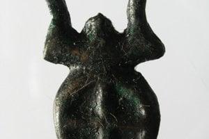 Bronzový prívesok.