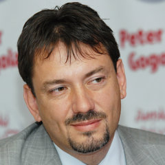 Peter Gogola.