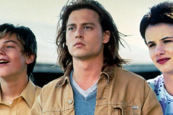 Leonardo DiCaprio, Johnny Depp a Juliette Lewis vo filme Čo žerie Gilberta Grapea.
