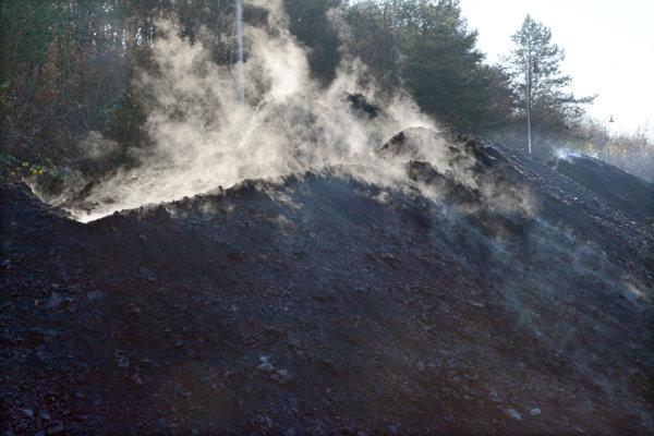Tlejúce uhlie v Ruskove
