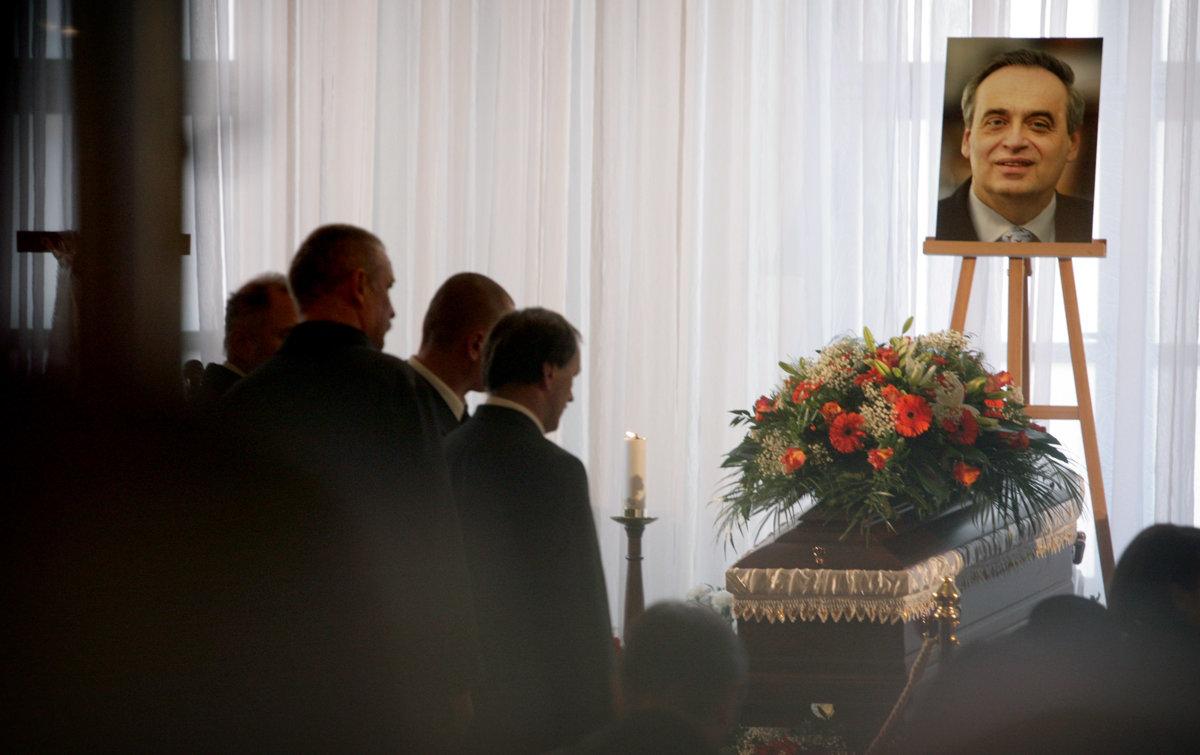 Vraždu Ernesta Valka vrátili vyšetrovateľovi - SME