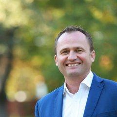 Peter Paška.