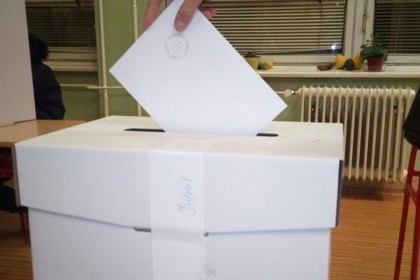 V Kysuckom Novom Meste s 15 243 obyvateľmi môže dnes pristúpiť k volebným urnám 12 490 voličov.