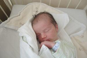 Damián (3480g, 51cm) sa narodil 6. novembra Zuzane a Oliverovi z Hrubého Šúru.
