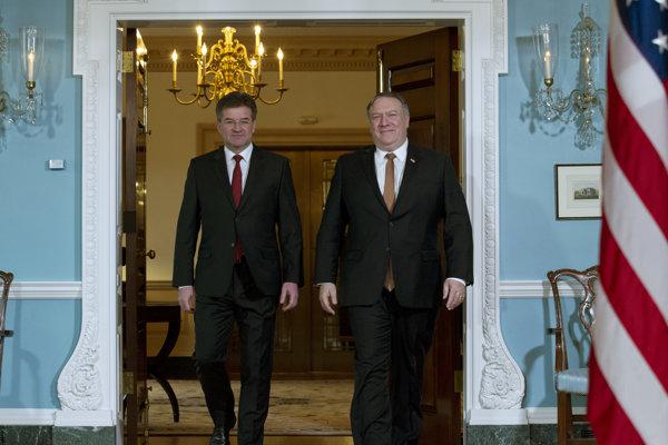 Slovenský minister zahraničia Miroslav Lajčák na schôdzke s americkým šéfom diplomacie Mikeom Pompeom.