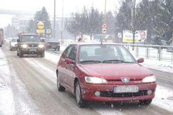 Sneh ochromil dopravu.
