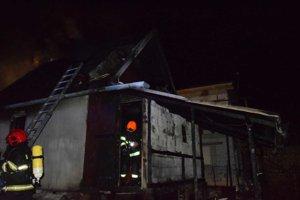 Zásah hasičov v Košických Olšanoch.