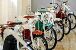 Motocykle značky Jawa na Bratislavskom hrade.