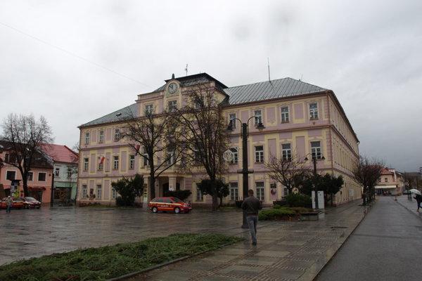 Kultúrne centrum sa nachádza v priestoroch župného domu na námestí.