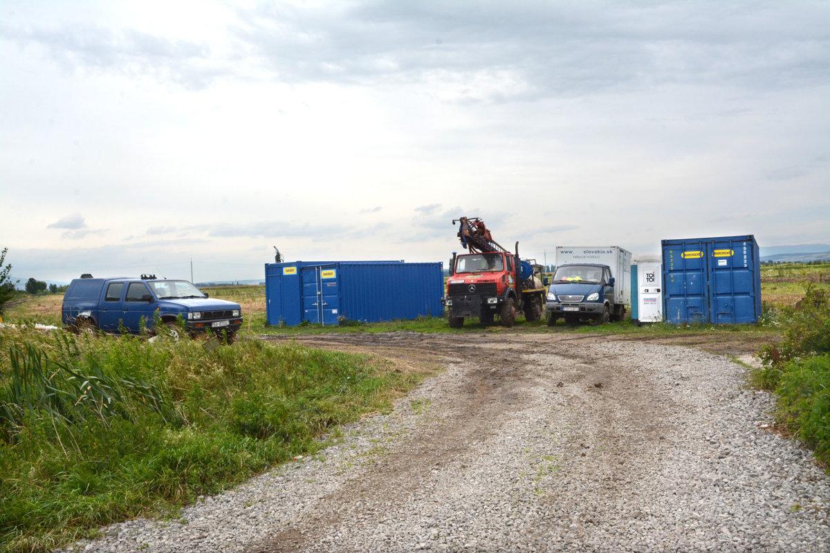 ec68a7d2ae5f V máji prebiehal na pozemkoch pri obci Haniska geologický prieskum pred  výstavbou priemyselného parku.
