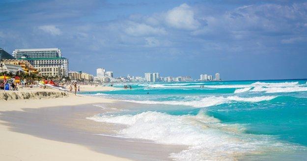 Cancún je obľúbené letovisko v Karibiku.