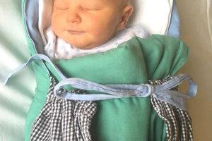 Kataríne a Tomášovi Verešovcom z Levíc sa narodil 29. septembra treťorodený synček FILIP. Malý Filipko po narodení meral 49 cm a vážil 3,45 kg. Na bračeka sa teší 3-ročný Miško a 2-ročný Riško.