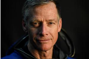 Boeing do kapsule Starliner počas testovacieho letu s posádkou posadí aj vlastného astronauta a pilota Christophera Fergusona.