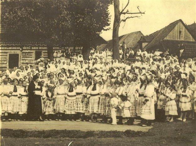 Návšteva Alice Masarykovej v Čičmanoch v roku 1934 bola pre miestnych veľkou udalosťou.