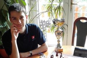 Majster sveta v šachu do 18 rokov Viktor Gažík.