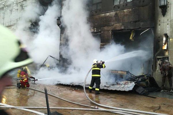 Koncom novembra v Bratislave horelo na Vianočných trhoch.
