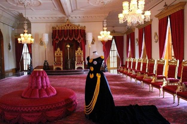 Trónna sieň v kráľovskom paláci
