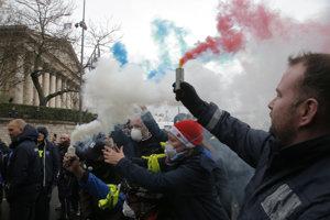 Protestujúci Francúzi.