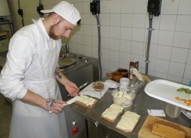 Vladimír Chlapeček pripravil z fazule sladký zákusok.
