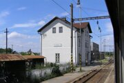 Železničná stanica Sekule