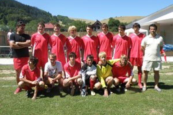 Dorastenci Brvnišťa prehrali vo finále až na pokutové kopy.