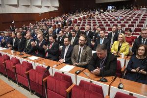 Košickí poslanci na ustanovujúcom zasadnutí.