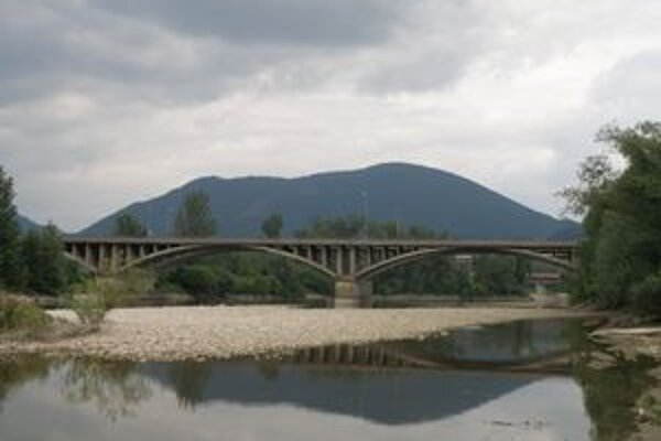 Orlovský most. V nedeľu bude otvorený len na jednej polovici.