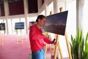 Príprava výstavy fotografickej súťaže Choď a foť 2018.