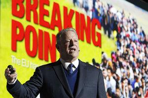 Bývalý americký viceprezident a aktivista Al Gore počas prejavu v Katoviciach.