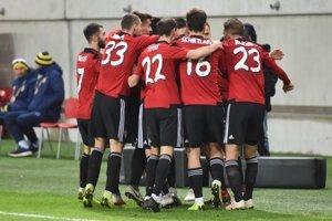 Hráči Spartaka Trnava sa radujú po triumfe.