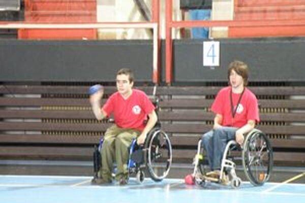 V Považskej Bystrici súťažili zdravotne postihnutí športovci v boccii.