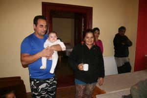 Rodiny, ktoré prišli o bývanie prichýlili na miestnej fare